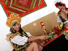 three russian bum lesbos dildoing