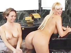 sexy tub butt lick