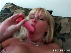 hawt lesbian scene with big beautiful woman blond