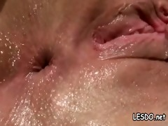 hawt chick lesbos licking and eating snatch