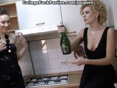 hot sweethearts in lesbo fucking