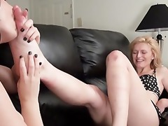 engulf toes