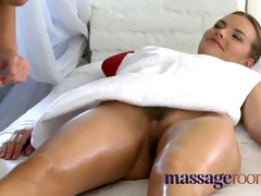 massage rooms older lesbo has a smutty encounter