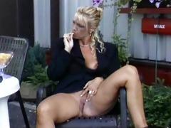 mature lesbo sextoy enjoyment