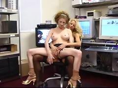 annie body-lesbian games