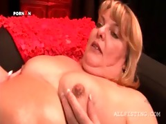 overweight aged lesbo getting her hungry love