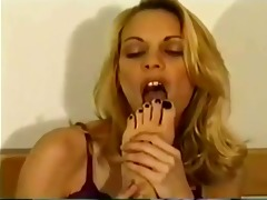 great lesbo foot worship on bed, admirable toe